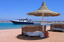 """Пляж отеля """"Coral Beach"""""""
