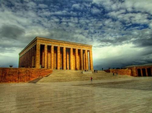 Мавзолей Ататюрка в Анкаре